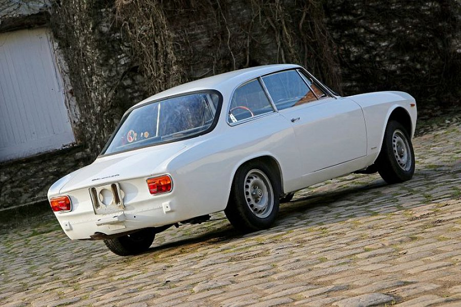 alfa romeo giulia i sprint gta tipo 105 coup blanc. Black Bedroom Furniture Sets. Home Design Ideas