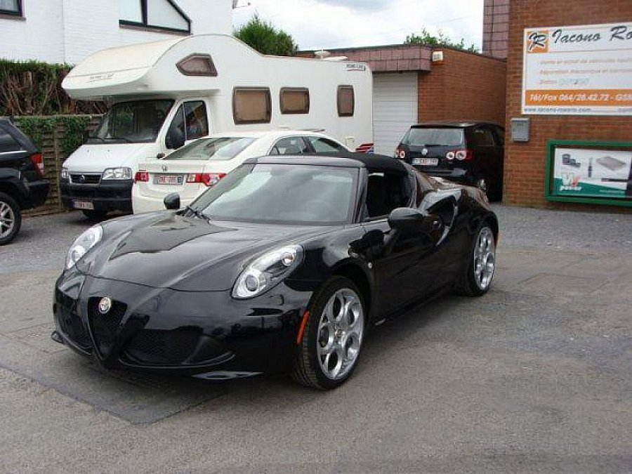 alfa romeo 4c 1750 tbi 240ch spider cabriolet noir occasion 65 000 5 km vente de voiture. Black Bedroom Furniture Sets. Home Design Ideas