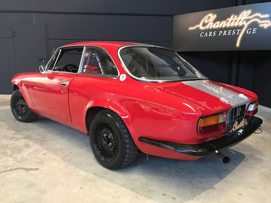 alfa romeo 2000 tipo 105 gt veloce gtv coup rouge occasion 39 900 61 170 km vente de. Black Bedroom Furniture Sets. Home Design Ideas