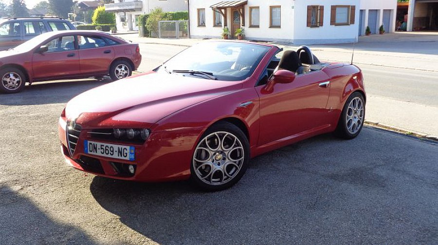 alfa romeo spider 3 2 v6 jts jts 260 distinctive cabriolet rouge occasion 21 000 44 000 km. Black Bedroom Furniture Sets. Home Design Ideas