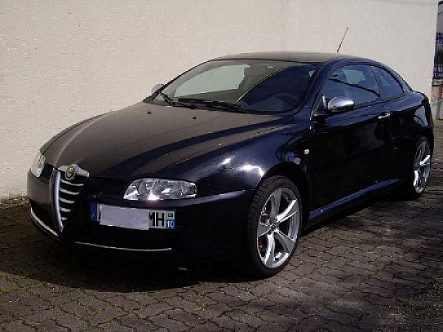 alfa romeo gt 1 9 jtdm 170ch coup noir occasion 12 500 46 300 km vente de voiture d. Black Bedroom Furniture Sets. Home Design Ideas