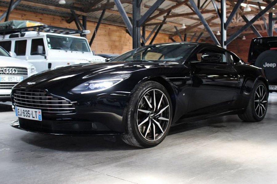 aston martin db11 coup occasion 228 800 3 500 km vente de voiture d 39 occasion motorlegend. Black Bedroom Furniture Sets. Home Design Ideas