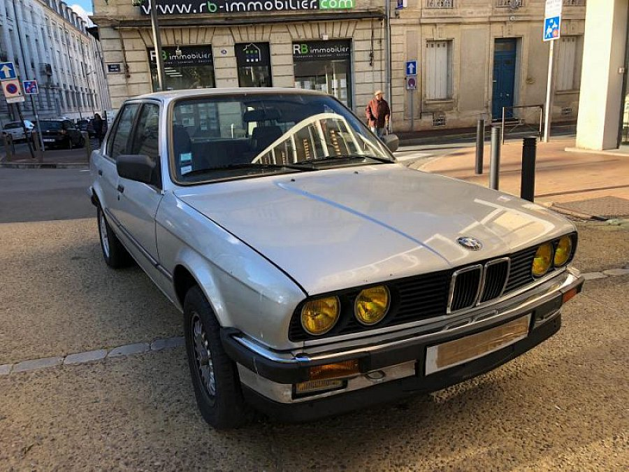 BMW SERIE 3 E30 320i 125ch berline Argent occasion - 4 000 €, 160 000 km