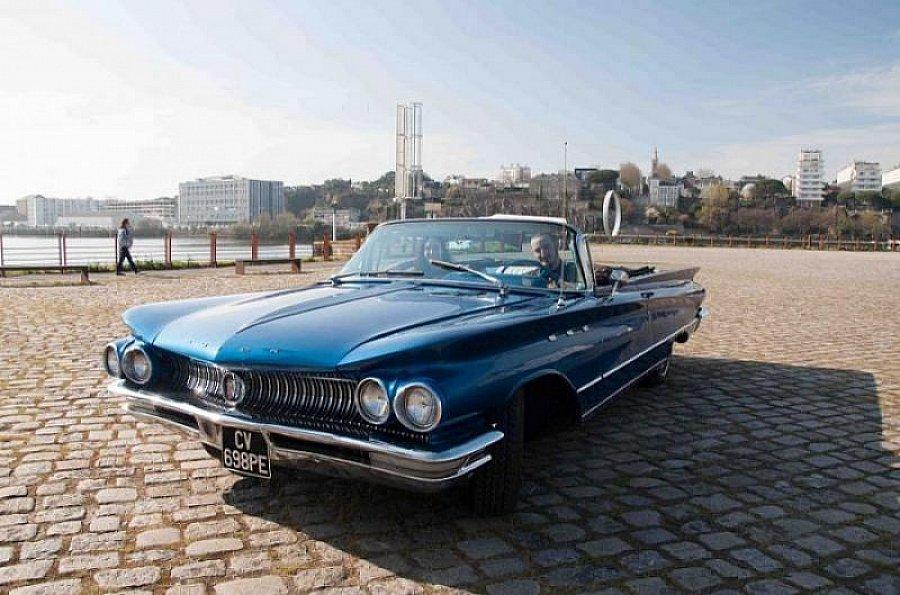buick le sabre coup bleu occasion 33 000 83 345 km vente de voiture d 39 occasion. Black Bedroom Furniture Sets. Home Design Ideas