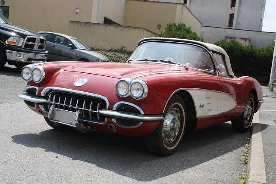 chevrolet corvette c1 cabriolet rouge occasion 59 900 30 000 km vente de voiture d. Black Bedroom Furniture Sets. Home Design Ideas