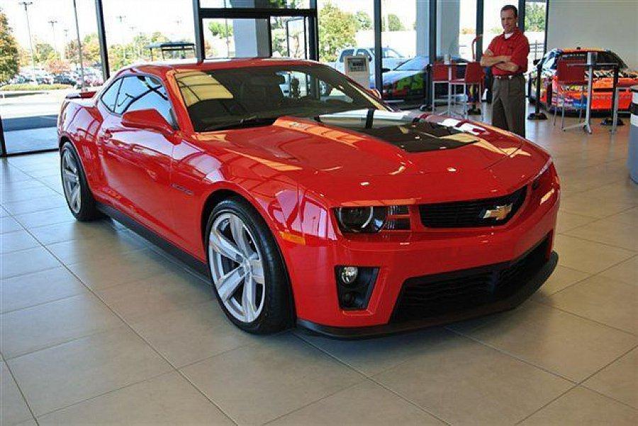 chevrolet camaro zl1 coup rouge occasion 74 900 10 km vente de voiture d 39 occasion. Black Bedroom Furniture Sets. Home Design Ideas