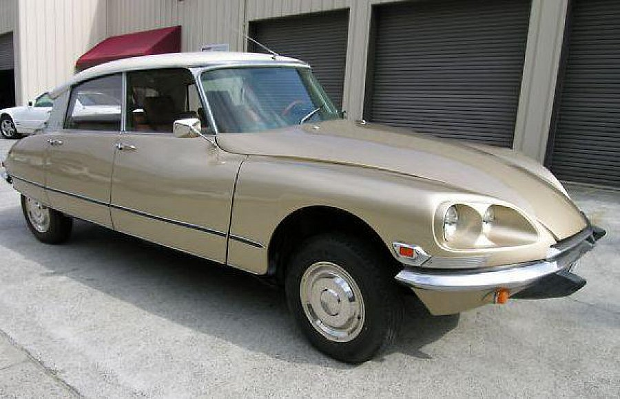 citroen ds 21 berline bronze occasion 10 000 129 200 km vente de voiture d 39 occasion. Black Bedroom Furniture Sets. Home Design Ideas
