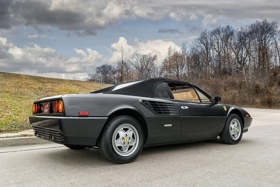 ferrari mondial noire a vendre ferrari 288 gto noire vendre auto titre ferrari mondial 3 2 15. Black Bedroom Furniture Sets. Home Design Ideas
