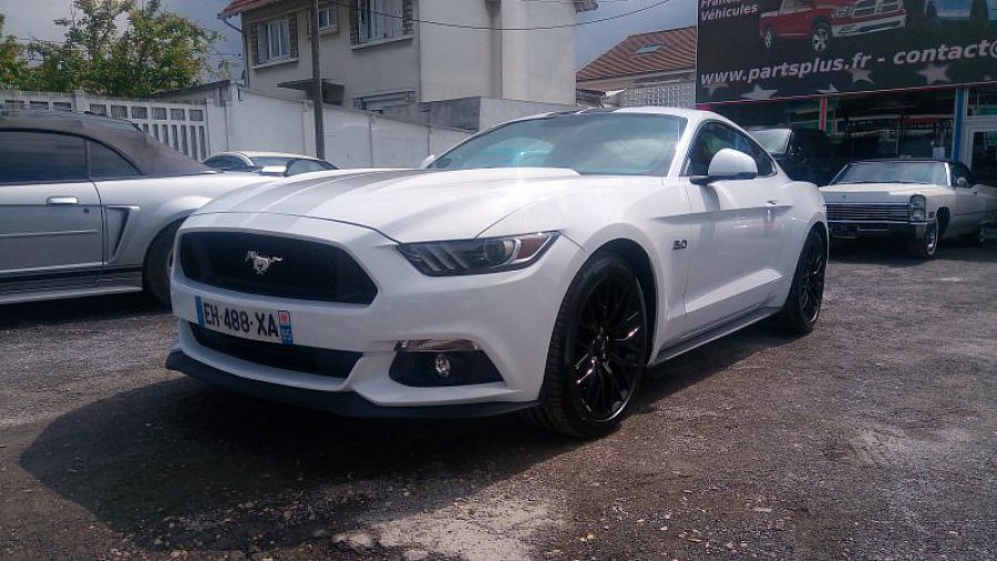ford mustang vi 2015 gt coup blanc occasion 59 000. Black Bedroom Furniture Sets. Home Design Ideas