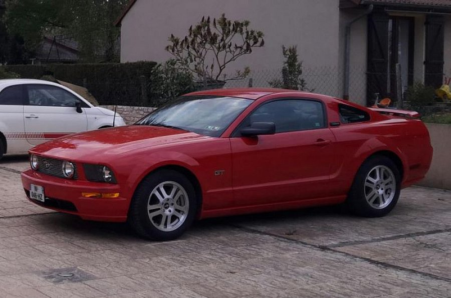 FORD MUSTANG V (2005-14) Serie 1 GT coupé Rouge occasion - 28 000 €, 51 000 km