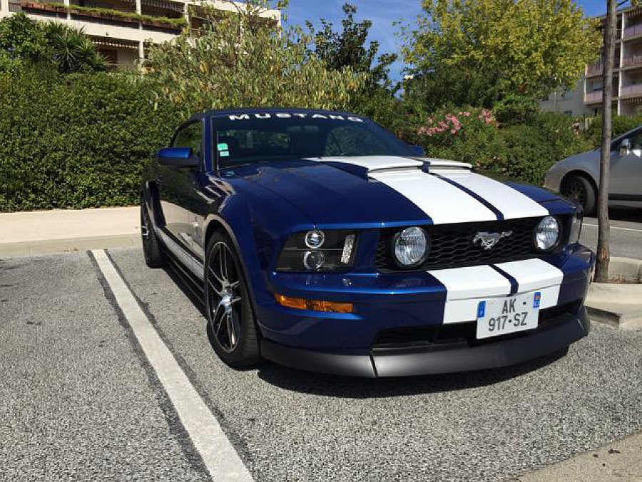 ford mustang v 2005 14 serie 1 v6 cabriolet bleu. Black Bedroom Furniture Sets. Home Design Ideas