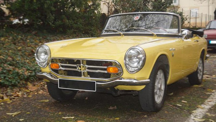 honda s800 78 ch cabriolet jaune occasion 39 000 31 000 km vente de voiture d 39 occasion. Black Bedroom Furniture Sets. Home Design Ideas
