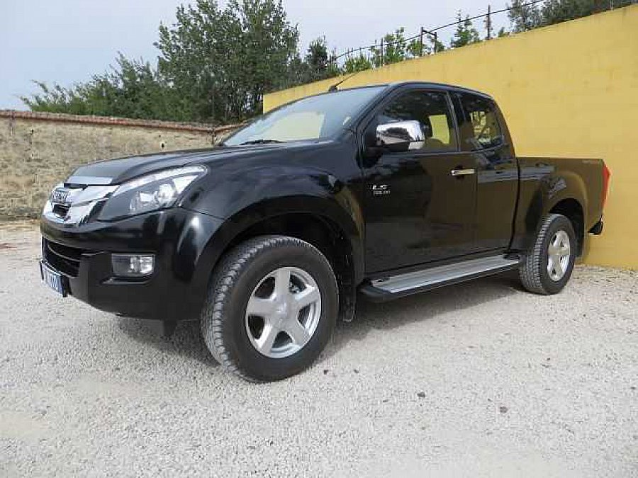 isuzu d max pick up noir occasion 27 200 12 km vente de voiture d 39 occasion motorlegend. Black Bedroom Furniture Sets. Home Design Ideas