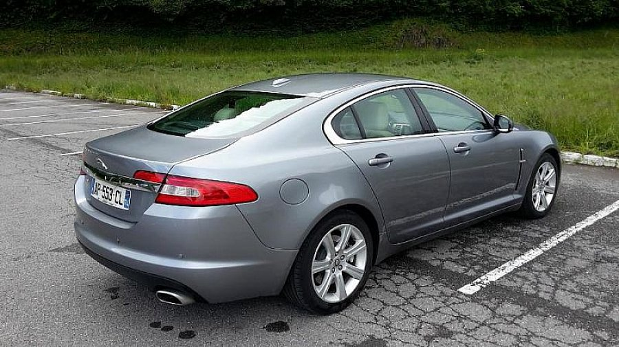 jaguar xf i 3 0 d v6 211ch fap limited edition berline gris occasion 26 500 35 000 km. Black Bedroom Furniture Sets. Home Design Ideas