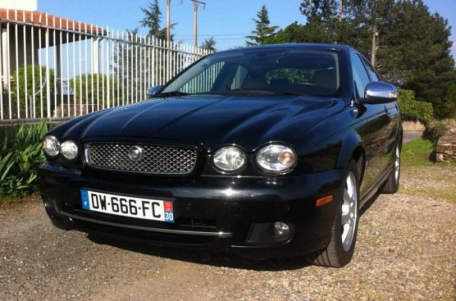 jaguar x type diesel executive berline noir occasion 9 800 75 000 km vente de. Black Bedroom Furniture Sets. Home Design Ideas