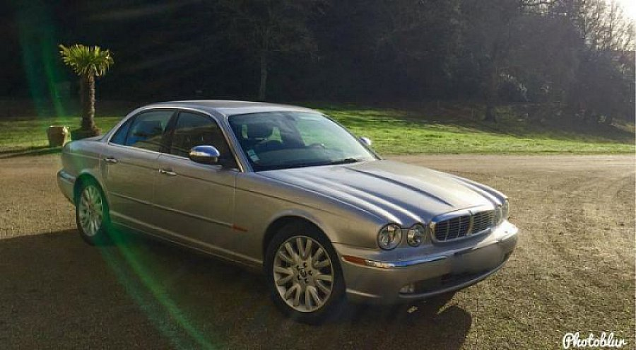 JAGUAR XJ8 4.2L V8 (X350) berline Gris clair occasion - 28 900 €, 39 500 km