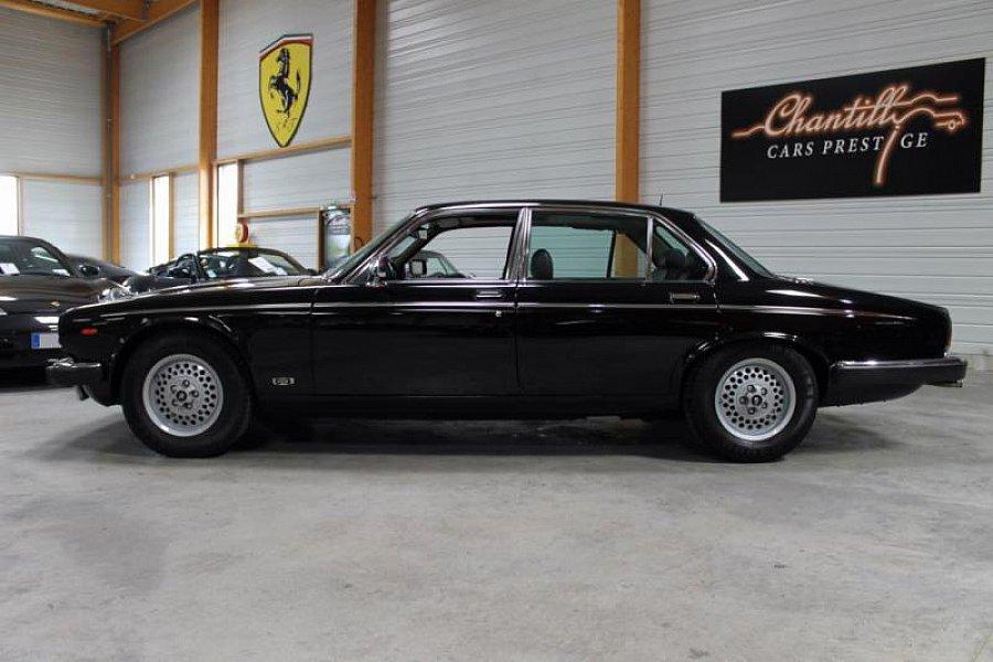 jaguar daimler double six berline noir occasion 19 900 78 500 km vente de voiture d