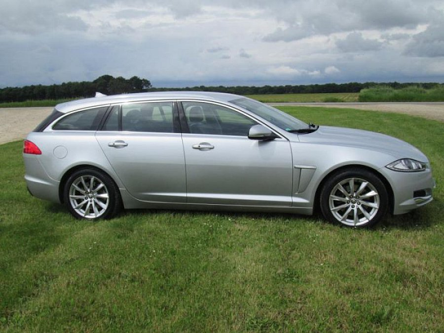 jaguar xf sportbrake i 3 0 d 240 fap luxe premium break gris occasion 32 000 98 000 km. Black Bedroom Furniture Sets. Home Design Ideas