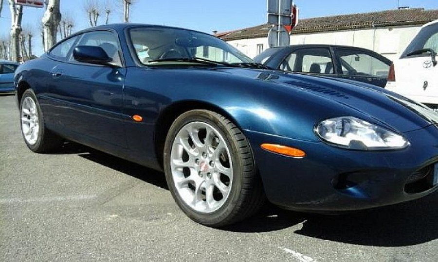 jaguar xkr x100 4 0l v8 sc 380ch pack luxe coup bleu occasion 15 500 160 000 km vente. Black Bedroom Furniture Sets. Home Design Ideas