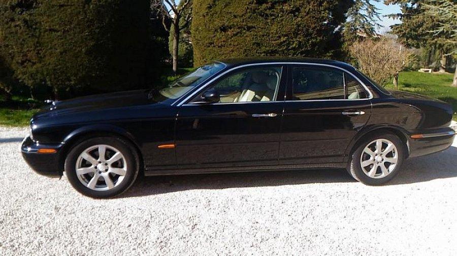 jaguar xj6 3 0l x350 berline noir occasion 10 900 124 500 km vente de voiture d. Black Bedroom Furniture Sets. Home Design Ideas