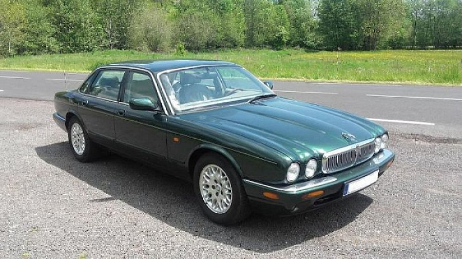 jaguar xj sovereign 3 2 berline vert occasion 8 000. Black Bedroom Furniture Sets. Home Design Ideas
