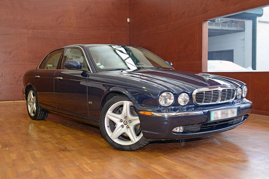 jaguar xj sovereign 2 7 v6 d berline bleu fonc occasion. Black Bedroom Furniture Sets. Home Design Ideas