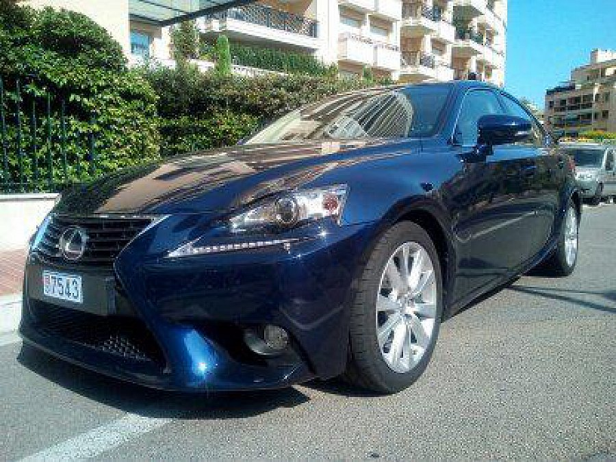 LEXUS IS XE30 300h pack luxe berline Bleu occasion - 27 000 €, 48 000 km