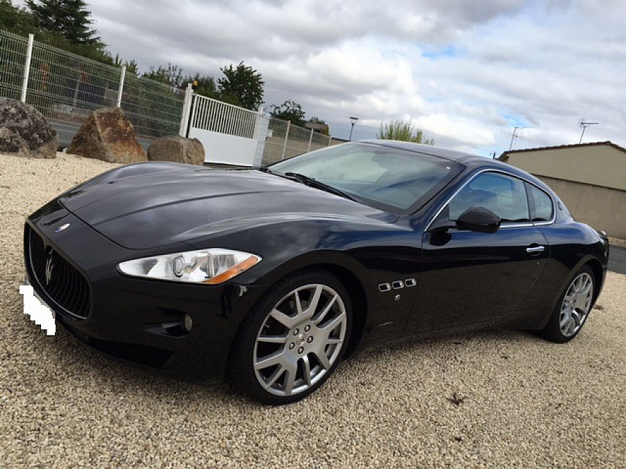 maserati granturismo 4 2l v8 405ch coup noir occasion 45 200 107 900 km vente de. Black Bedroom Furniture Sets. Home Design Ideas