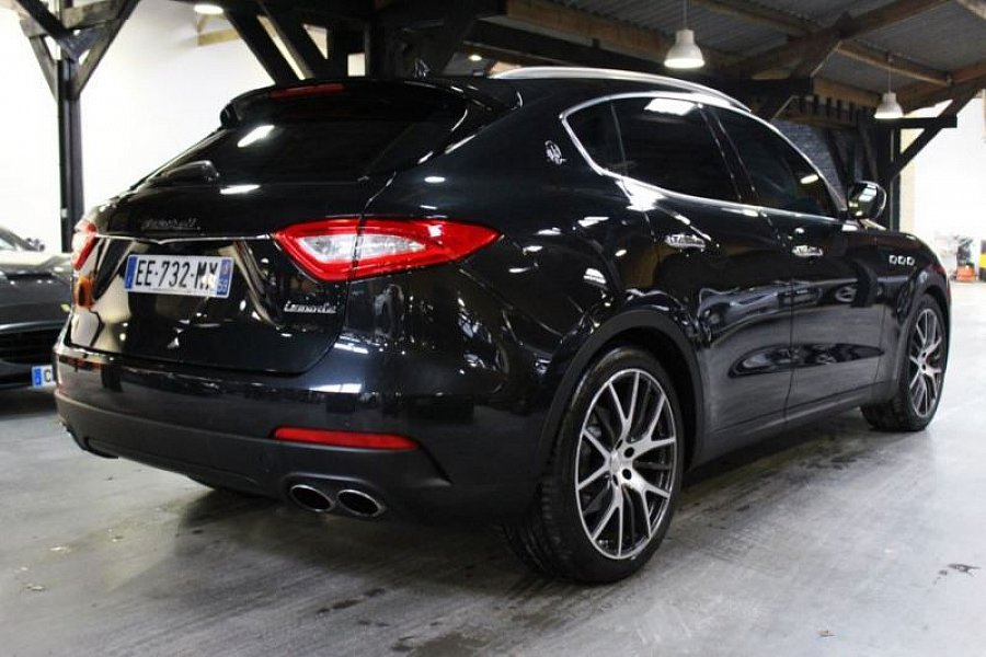 maserati levante 3 0 v6 biturbo 430 ch suv noir occasion 118 900 1 990 km vente de. Black Bedroom Furniture Sets. Home Design Ideas