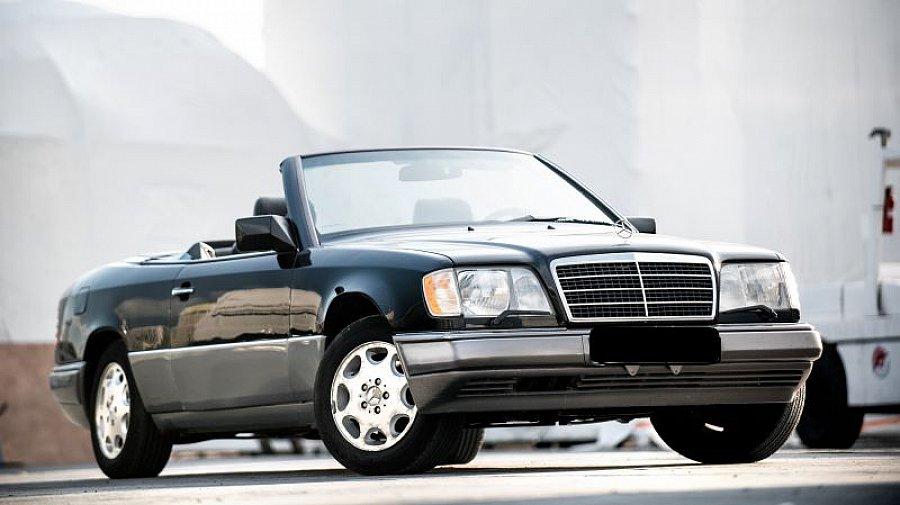 mercedes 320 w124 cabriolet noir occasion 0 124 104. Black Bedroom Furniture Sets. Home Design Ideas