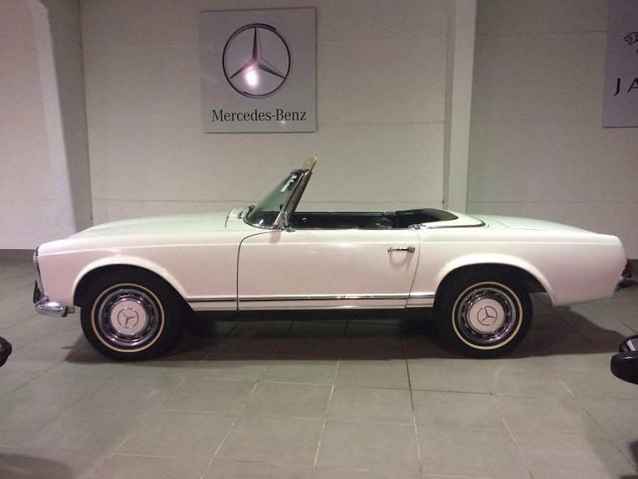 mercedes 230 sl w113 pagode cabriolet blanc occasion. Black Bedroom Furniture Sets. Home Design Ideas