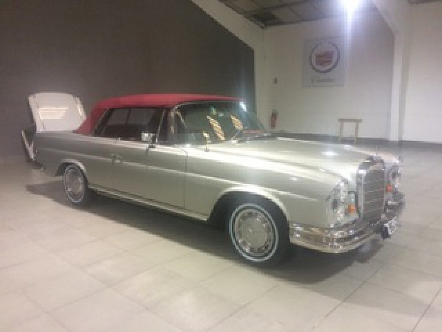 mercedes w111 250se cabriolet gris clair occasion 125 000 120 000 km vente de voiture d. Black Bedroom Furniture Sets. Home Design Ideas