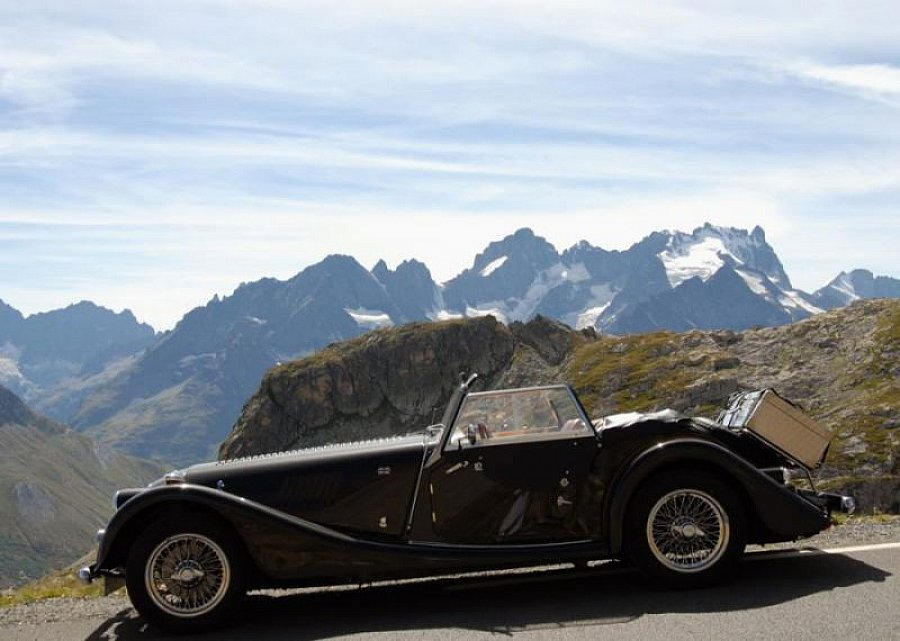 morgan plus 4 anniversaire cabriolet noir occasion 45 000 43 000 km vente de voiture d. Black Bedroom Furniture Sets. Home Design Ideas
