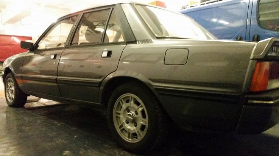 PEUGEOT 505 Turbo injection berline Gris foncé occasion - 9 900 €, 10 km