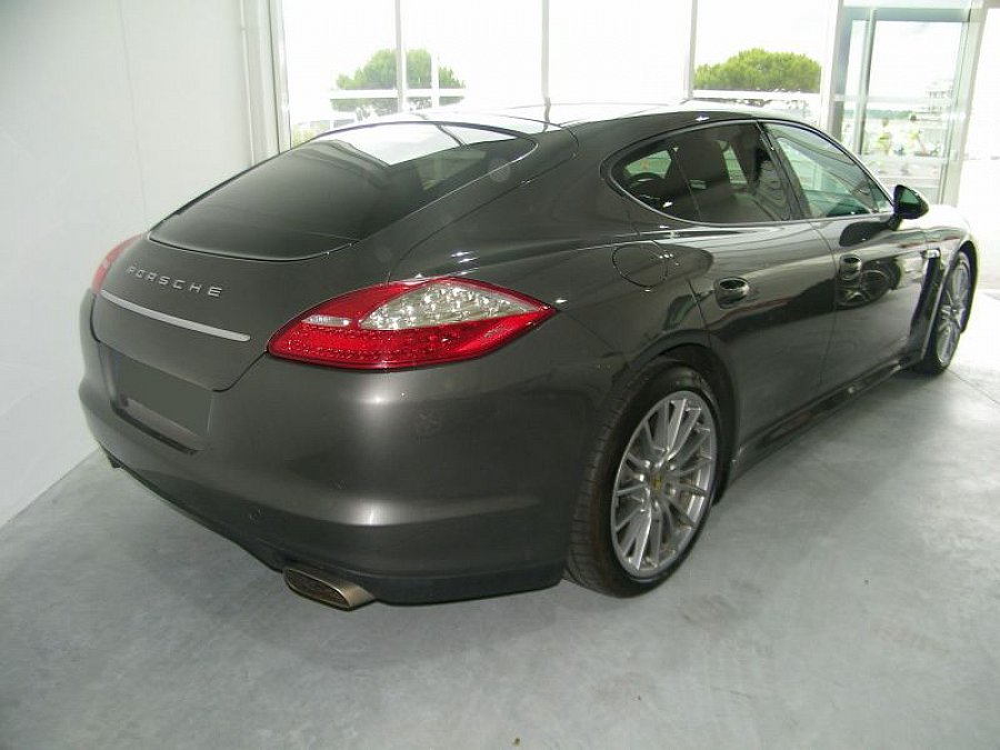 porsche panamera 3 6l v6 300ch berline occasion 71 900 42 100 km vente de voiture d. Black Bedroom Furniture Sets. Home Design Ideas
