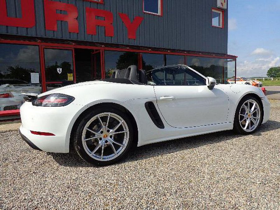 porsche 718 boxster 982 2 0 300 ch pack sport chrono cabriolet blanc occasion 72 000 1 100. Black Bedroom Furniture Sets. Home Design Ideas