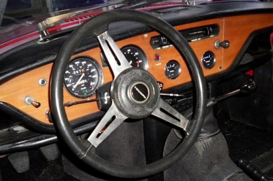 triumph spitfire mk4 cabriolet rouge occasion 8 500 40 000 km vente de voiture d. Black Bedroom Furniture Sets. Home Design Ideas