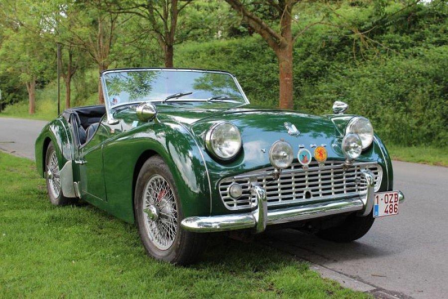 triumph tr3 a 2 0l 100ch cabriolet vert occasion 32 500 20 000 km vente de voiture d. Black Bedroom Furniture Sets. Home Design Ideas